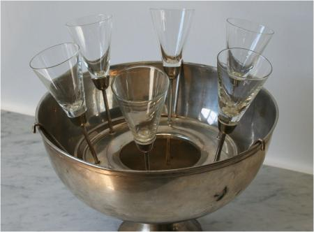 Glamorous Chamagne Bucket with Footless Champagne Flutes